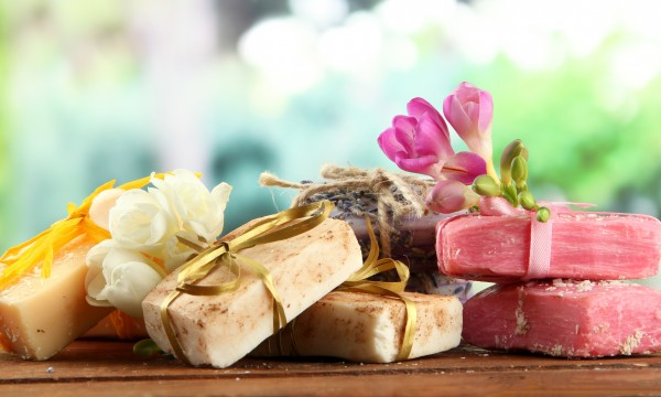 Creating Your Own Homemade Cosmetics Line - Method 2 - Innovative